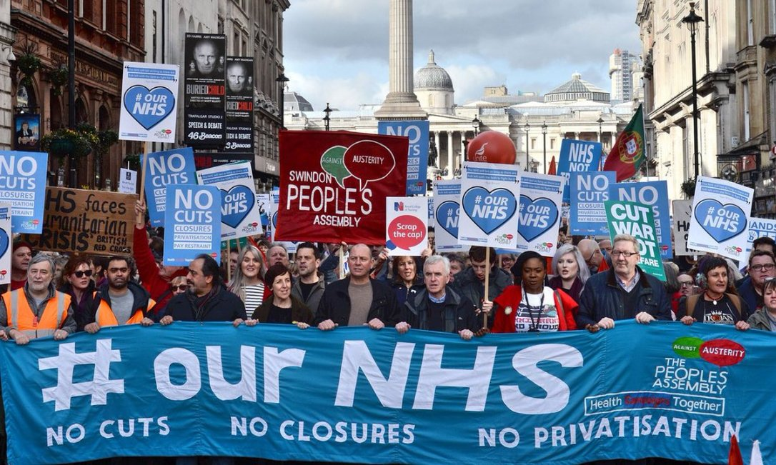front-of-march_sx-defend-the-nhs