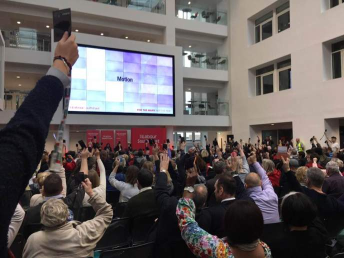 Delegates at #LabSE18 voting overwhelmingly to adopt Pavilion Labour's motion. There were only 3 or 4 votes against and a similar number of abstentions.